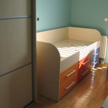 Vgradne postelje