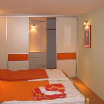 Primer priprave informativne ponudbe za spalnico po naročilu